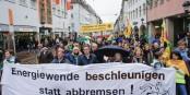 Demo mit OB. Foto: Bicker