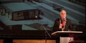 Dans son discours, Tony Vetrano a rappelé le vieux souvenir de la frontière entre Kehl et Strasbourg. Foto: © Claude Truong-Ngoc