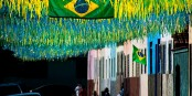 Bien sûr, tout le monde voudrait que la Coupe du Monde soit une belle fête. Mais elle pourrait aussi tourner en drame. Foto: Thomás / Wikimedia Commons