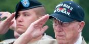 Voilà ceux qui ont compris la signification de la commémoration du débarquement en Normandie. Foto: Archangel12, Normandy '10, American Cemetery Colleville / WIkimedia Commons