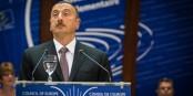 Der Präsident von Aserbaidschan gestern vor dem Europarat. Müssen Diktatoren eigentlich solche hässlichen Bärtchen tragen? Foto: © Claude Truong-Ngoc / Eurojournalist(e)