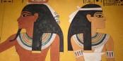 Schon im alten Ägypten kam es vor, dass beide in verschiedene Richtungen schauten. Ohne gleich ein Drama draus zu machen. Foto: Dieter Schütz / www.pixelio.de