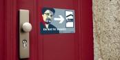 Bei uns kann Edward Snowden jederzeit übernachten. Eine Aktion von Campact. Foto: https://www.campact.de