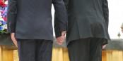 Ja, Gauck und Hollande gaben sich gestern die Hand. Unaufgeregt und authentisch. Foto: Kai Littmann