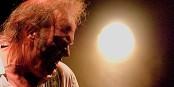 Hey, hey, my, my, Rock 'n' Roll can never die... am Freitag auf der Bühne in Colmar - Neil Young. Foto: Andrea Barsanti / Wikimedia Commons / CC-BY 2.0