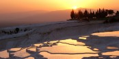 Ah, der Sonnenuntergang über Pamukkale... die Türkei gehört nach Europa! Foto: Davidetorino at it.wikipedia / Wikimedia Commons /   CC-BY-SA 3.0