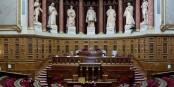 Die PS verliert die Mehrheit im französischen Senat an die konservative UMP, doch von hinten stürmt der Front National heran. Foto: Jacques Abada / Wikimedia Commons / CC-BY-SA 3.0