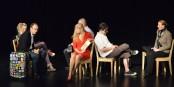 """Im Stück """"Heimat Express"""" von BAAL novo suchen sechs Menschen nach Glück, Geborgenheit und Heimat. Ob sie fündig werden? Foto: Ellen Matzat"""