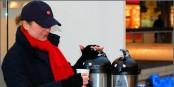 Während sich die GDL-Mitglieder in den nächsten Tagen mit Kaffee vom anstrengenden Streiken erholen, können wir sehen, wo wir bleiben. Foto: schubalu / www.pixelio.de