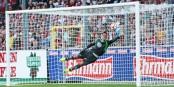 Le gardien de Wolfsburg Benaglio ne pouvait rien contre ce coup franc de Sebastian Kerk. Mais le 1-2 venait trop tard. Foto: © Eurojournalist(e) / KL
