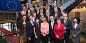 Die neue EU-Kommission. Selbstzufrieden und Lichtjahre von den europäischen Bürgern entfernt. Foto: © European Union, 2014
