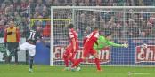 52e minute au Schwarzwaldstadion de Freiburg : le 1-2 marqué par Gruezo allait briser le cou aux Fribourgeois. Foto: (c) Phil Bergdoldt