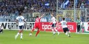 21e minute au Schwarzwaldstadion - Christian Günther est là, arme et tire - 1-0. Foto: Eurojournalist(e)
