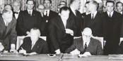"""Pour fêter l'amitié franco-allemande, Konrad Adenauer et Charles de Gaulle prêtent leur voix à """"Zweierpasch / Double Deux"""". Foto: PD"""