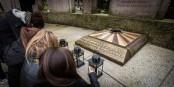Gestern gedachten Jugendliche in Strassburg der Opfer von Auschwitz. Würdevoll. So, wie es sein sollte. Foto: Claude Truong-Ngoc / Eurojournalist(e)
