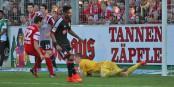 Hoffentlich zeigt der Leverkusener Keeper Bernd Leno am Samstag nicht so eine Weltklasseleistung wie am Mittwoch in der Champions League. Foto: Eurojournalist(e)