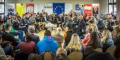 """Bei der grenzüberschreitenden """"Bürgerkonferenz"""" in Kehl diskutierten Politiker, Experten und Jugendliche in einem offenen Format. Foto: Claude Truong-Ngoc / Eurojournalist(e)"""