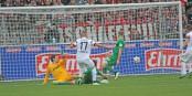 70' minute à Freiburg - l'ancien Strasbourgeois Johnny Schmid ouvre le score contre Augsburg. Foto: Eurojournalist(e)
