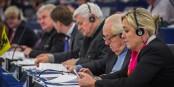 "Eine ""schrecklich nette Familie"" im Europaparlament - rechts Marine, daneben Jean-Marie Le Pen. Foto: Claude Truong-Ngoc / Eurojournalist(e)"