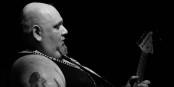 Sieht aus wie ein Punk, ist aber einer der besten rockigen Blues-Interpreten der Welt - Popa Chubby. Foto: Ralf Boenke / Wikimedia Commons / CC-BY 3.0de