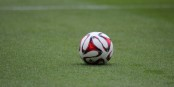 Der Ball ist und bleibt rund - auch, wenn die Saison für Racing und den SC Freiburg mit einer Enttäuschung endete. Foto: Eurojournalist(e)