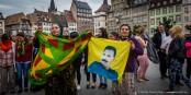 Les Kurdes vivant à Strasbourg ont fêté le succès du HDP qui entre pour la première fois au parlement turc. Foto: Claude Truong-Ngoc / Eurojournalist(e)