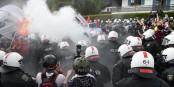 Ce mini-incident lors d'une manifestation contre le sommet G7 aura suffit pour justifier la présence de 22000 policiers. Foto: Indymedia / de.indymedia.org / Wikimedia Commons / CC-BY-SA 3.0