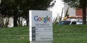 Google hat bereits angekündigt, seinen Nutzern mehr Rechte an den eigenen Daten einräumen zu wollen. Foto: Google / Googleplexwelcomesign / Wikimedia Commons / CC-BY-SA 3.0
