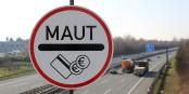 """Bevor diese Schilder deutsche Autobahnen """"zieren"""", wird die EU gegen Deutschland klagen. Denn eine Maut nur für Ausländer, das ist Diskriminierung. Foto: Tim Reckmann / www.pixelio.de"""