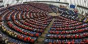 So bunt hat man das Europäische Parlament in Strassburg selten erlebt - ein schöner Kontrast zum üblichen Einheitsgrau. Foto: Claude Truong-Ngoc / Eurojournalist(e)