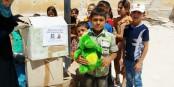 2.000 Kuscheltierspenden des EHC Freiburg erreichten nach beschwerlicher Reise bedürftige Kinder in Syrien. Foto: Syrian Humanitary Forum
