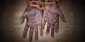 Pour briser les chaînes des l'esclavage qui existe toujours, il faut que le monde entier lève la voix. Foto: AVAAZ