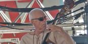 Er spielte mit Miles Davis und Keith Jarrett - Gary Peacock tritt auch in La-Petite-Pierre auf. Foto: Olivier Bruchez, Lausanne, Suisse / Wikimedia Commons / CC-BY 2.0