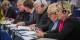 Ja, da saßen sie noch friedlich zusammen, Marine Le Pen, Jean-Marie Le Pen und dessen Weggefährte Bruno Gollisch... Foto: Claude Truong-Ngoc / Eurojournalist(e)