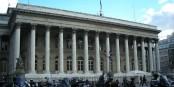 La Bourse de Paris - moins 8%, et la crise est de retour. Foto: couscouschocolat from Isy-les-Moulineaux France / Wikimedia Commons / CC-BY 2.0