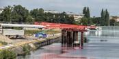 Tous les jours, les travaux sur le nouveau pont, mais aussi sur le nouveau quartier des Deux Rives avancent. Chic. Foto: Annette Lipowsky / Ville de Kehl