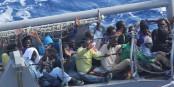 """Ces réfugiés avaient de la """"chance"""" - au moins, ils n'ont pas péri en tentant de rejoindre l'Europe. Foto: U.S. Navy Photo / U.S. Navy / Wikimedia Commons / PD"""