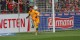 En stoppant un pénalty à la 59e minute, Alexander Schwolow a assuré les trois point d'une belle victoire fribourgeoise à Düsseldorf. Foto: Eurojournalist(e)