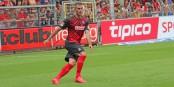 Marc Torrejón manquera dans la défense fribourgeoise lors du match à Düsseldorf. Foto: Eurojournalst(e)