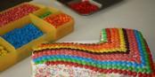 Sept ans, ça se fête. Par exemple avec un si joli gâteau. Aux prochaines sept années ! Foto: Namita.Nathani / Wikimedia Commons / CC-BY-SA 4.0