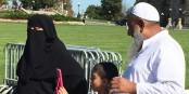 Au Canada, en amont des élections, le niqab fait l'objet de maintes discussions. Qui toutefois, se passent de manière plus détendue que chez nous. Foto: Antoine Spohr / Eurojournalist(e)