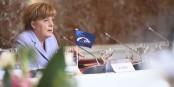 Plötzlich ist Angela Merkel ganz alleine - wo sie zum ersten Mal richtig viel Unterstützung verdient hätte. Foto: European People's Party / Wikimedia Commons / CC-BY 2.0