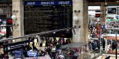 Paris, Gare du Nord. La violence s'y mèle à une sorte de désolation... Foto: Torstein Frogner / Wikimedia Commons / CC-BY-SA 3.0