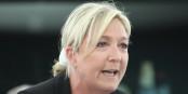 Sie will Frankreich aus der EU und aus dem Euro führen und liegt momentan in den Umfragen deutlich vorne - Marine Le Pen vom rechtsextremen Front National. Foto: Eurojournalist(e)