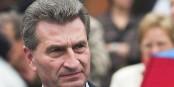 Le commissaire européen Günther Oettinger fait partie de ceux qui tentent de profiter personnellement des drames actuels. Dégoûtant. Foto: DerFalkVonFreyburg / Wikimedia Commons / CC-BY-SA 3.0