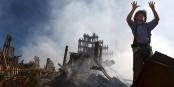 Das Entsetzen ist nach den Anschlägen von paris das gleiche wie nach den Anschlägen auf das World Trade Center 2001. Die Reaktionen sind auch die gleichen... Foto: U.S. Navy photo by 1st class Preston Keres / Wikimedia Commons / PD