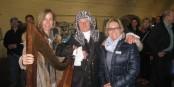 Carmen Rantzuch-Doll (à droite) lors du vernissage de l'exposition à Neuf-Brisach. Foto: CRD