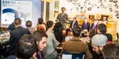 IHK-Präsident Dr. Steffen Auer (stehend) zur IHK-Teatime. Foto Polkowski