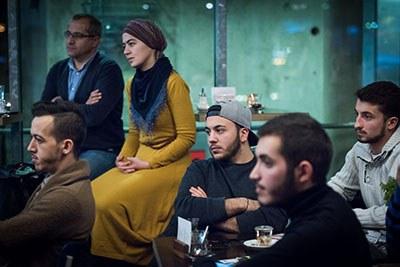 Rund zwei Dutzend türkische Jugendliche waren der Einladung zum Tee der IHK gefolgt. Foto: Polkowski