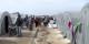 """Ce camp de réfugiés à la frontière entre la Turquie et la Syrie constitue encore la version """"luxe"""" de ce qui peut arriver aux réfugiés en Turquie. Foto: Voice of America, Scott Bobb / Wikimedia Commons / PD"""